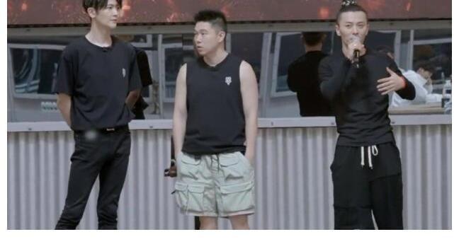 陈小春透露他不想当大湾区队长 他希望因为苛刻的要求而被拒绝 奇拉姆回答 并嘲笑观众