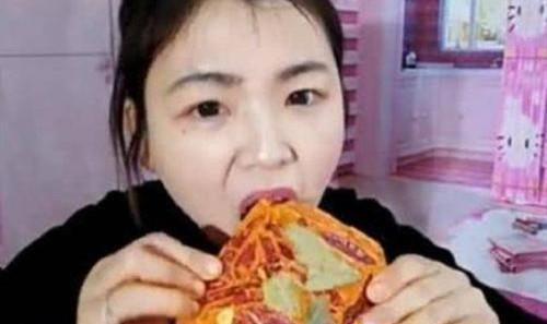 网红吃播有多假?龙虾是塑料,火锅底料是面包,甚至连人都是假的